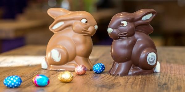 Schokoladen-Hasen-Paerchen